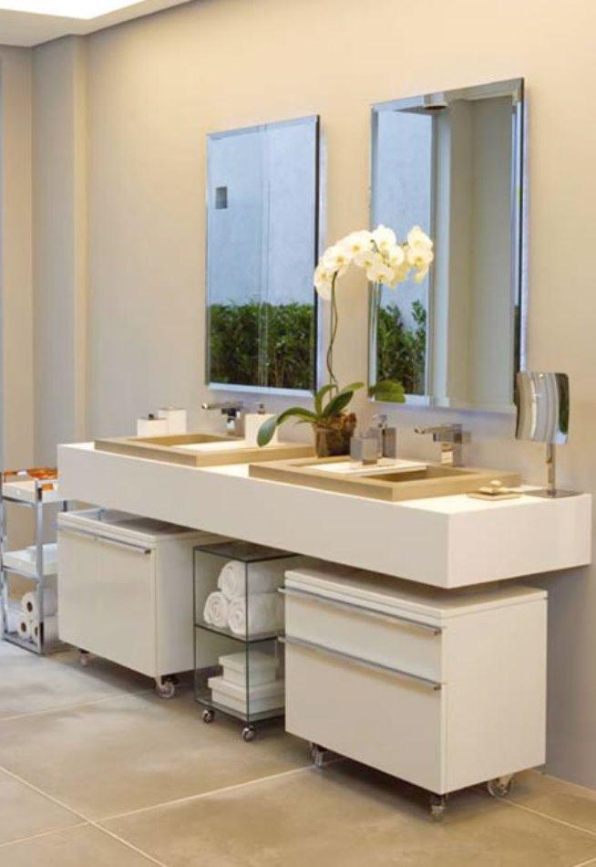 Reforma de banheiro branca