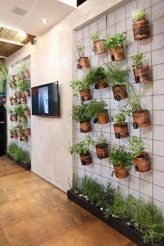 Horta em casa vertical Projeto de Ana Cano Milman