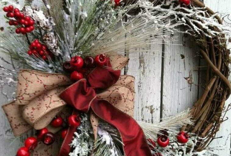 decoração com guirlanda de natal rústica  Foto Jutarnji List