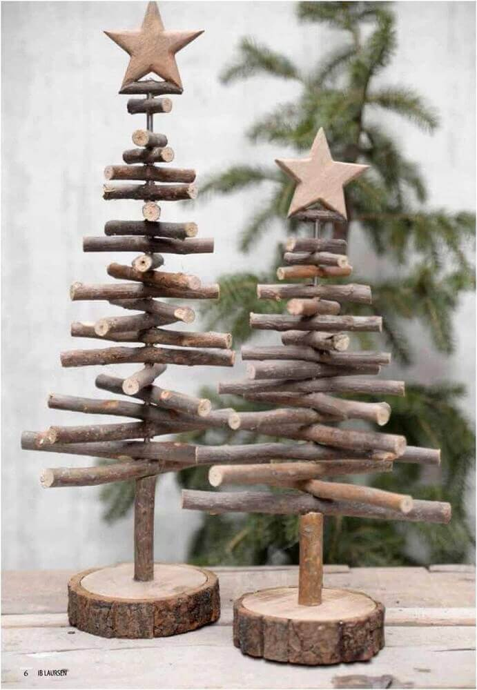 Some Christmas decorations are perfect for rustic decoration