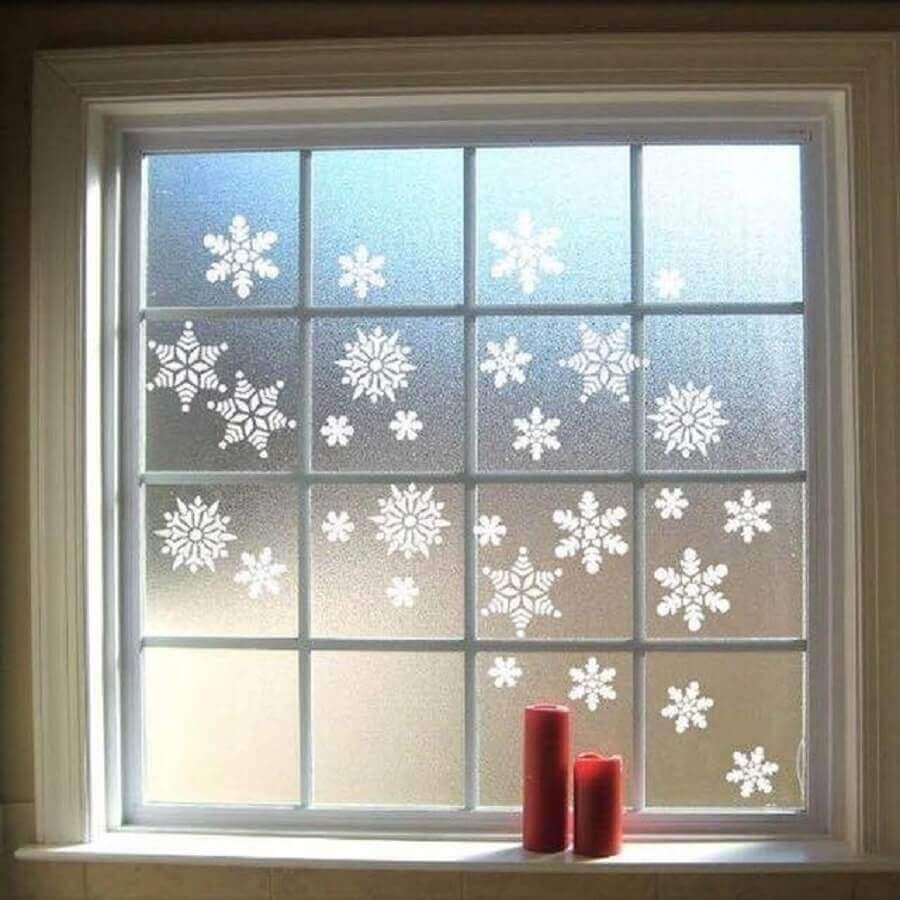 enfeites de natal para janelas com flocos de neve Foto Hoku Deco