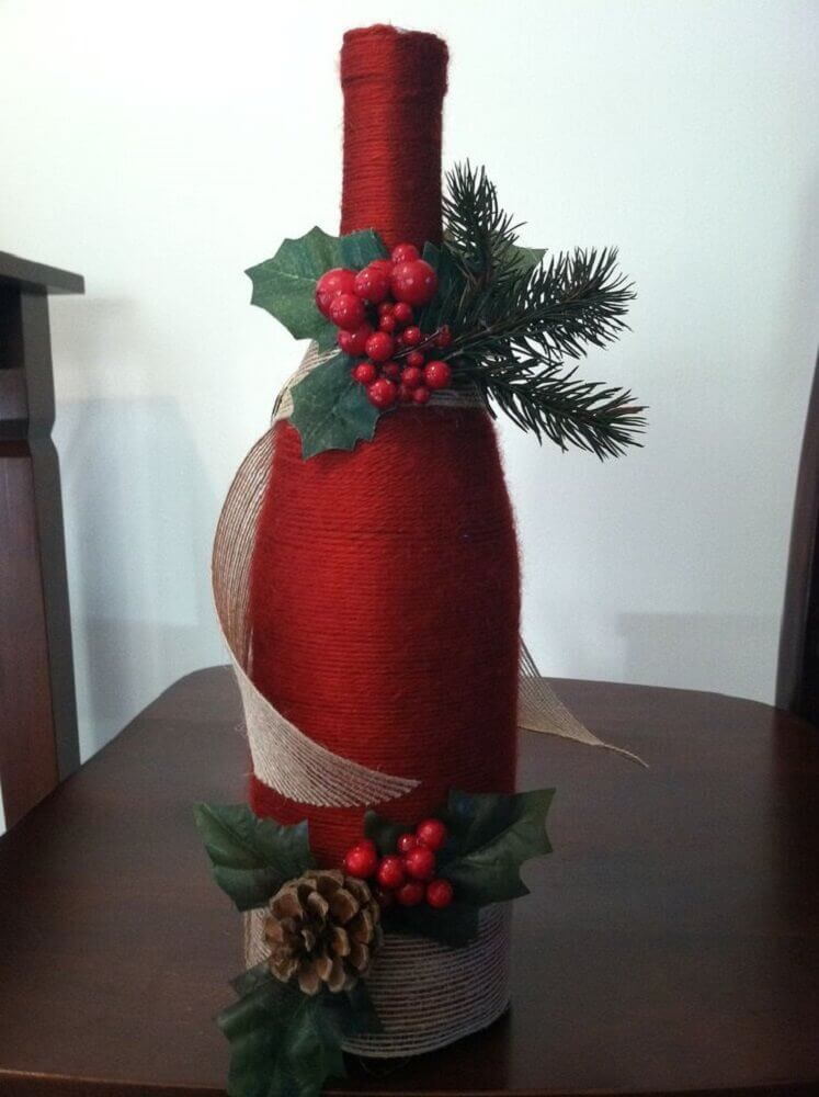 garrafa decorada com enfeites de natal Foto Pinterest