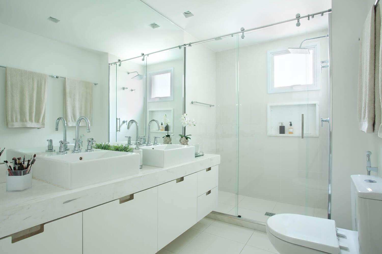 Duas cubas podem ser interessantes numa reforma de banheiro de casal #496647 1500x1000 Banheiro Branco Como Limpar