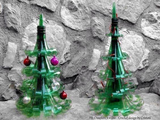 Árvore de natal de garrafa PET pequena Foto de Pinterest