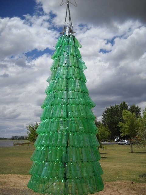 Como fazer árvore de natal com garrafa pet