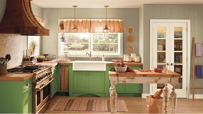 Cozinha com armário verde