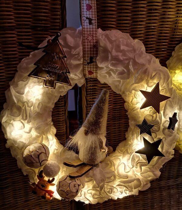 Guirlanda de Natal criativa e iluminada