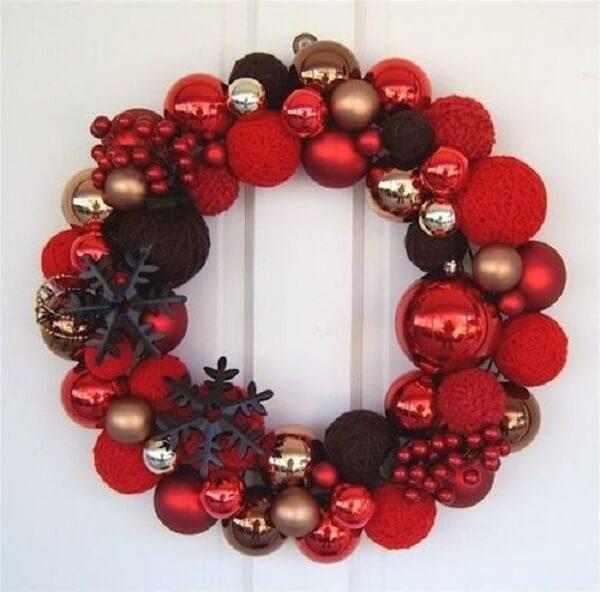 Guirlanda para Natal em tons de vermelho