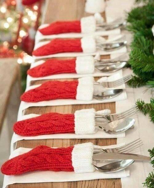 Decoração de Natal para a ceia de jantar porta talher de meia