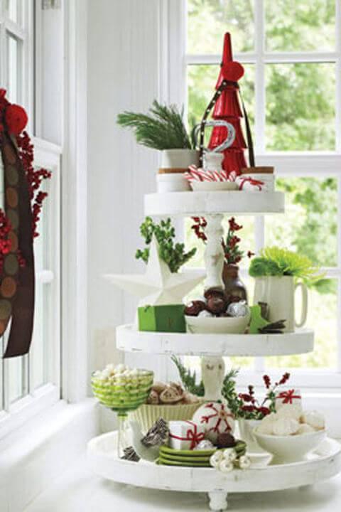 Decoração de Natal para a ceia de jantar torre de doces
