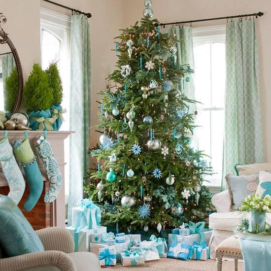 Decoração-de-Natal-sala-decorada-de-azul-1