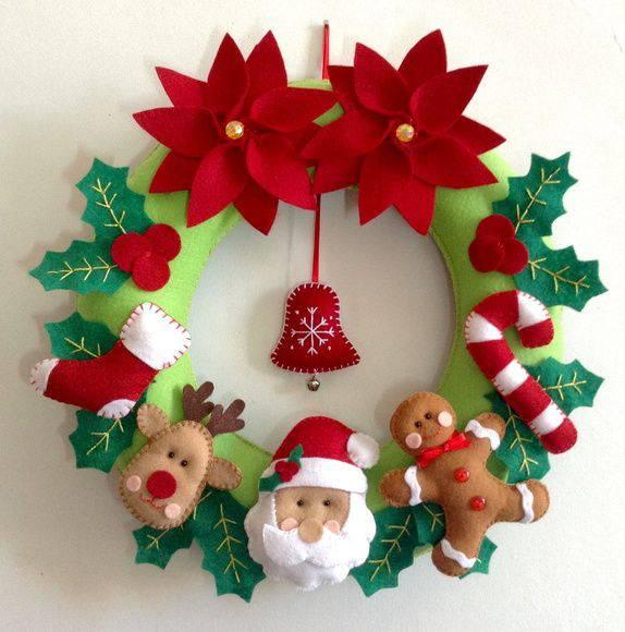 Guirlanda de Natal artesanal de feltro tecido