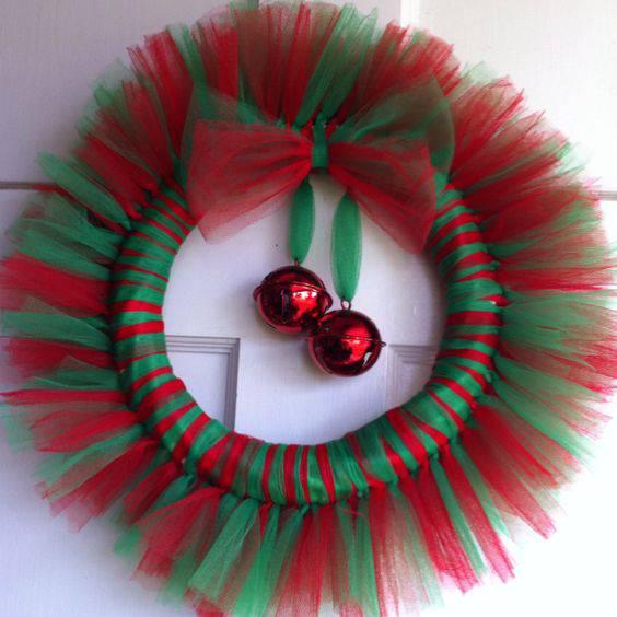 Guirlanda de Natal com tule