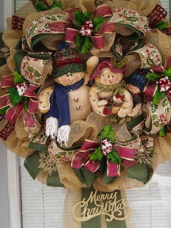 Guirlanda para Natal com tecido de juta e laços de fita