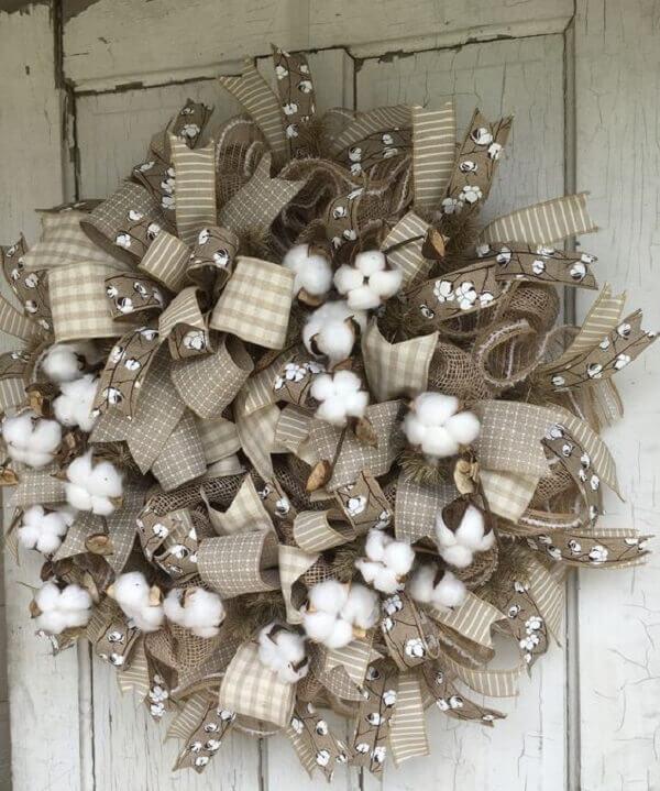 Guirlanda para Natal com tecido de juta e flores artificiais para decoração rústica