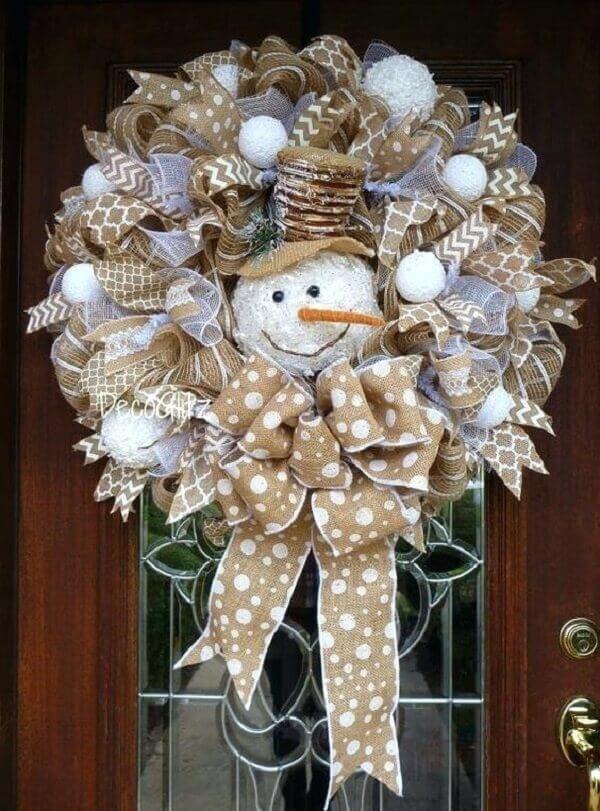Guirlanda para Natal com tecido de juta e boneco de neve