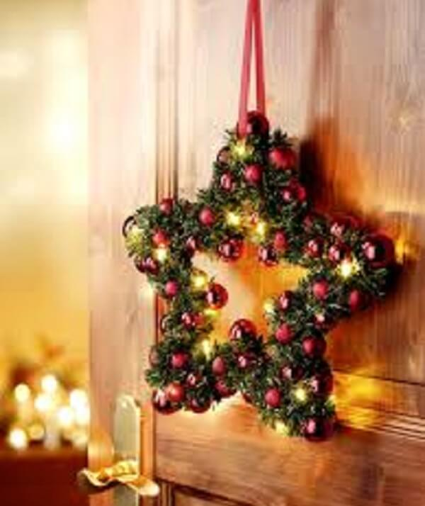 Guirlanda para Natal feita em formato de estrela