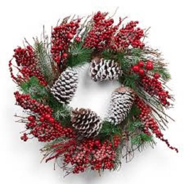 Guirlanda para Natal feita com pinhas