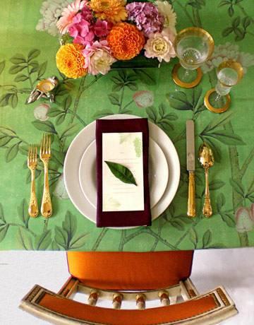 mesa de natal com tolha verde