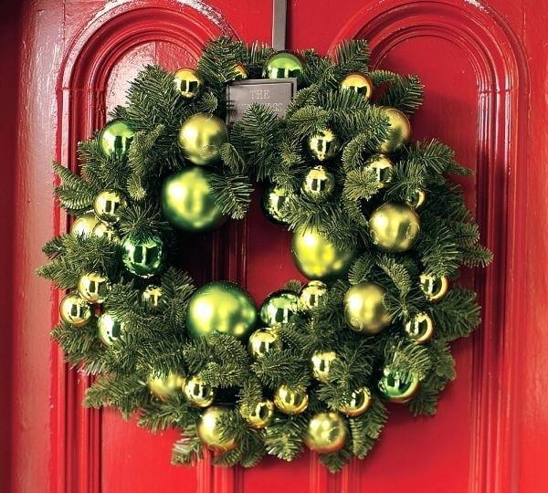 Guirlanda para Natal com bolinhas em tom verde