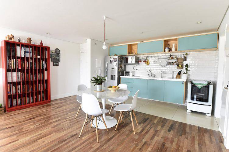 106564-cozinha-mesa-redonda-branca-decoracao-carlacuono-106564