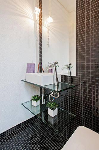 Pastilhas de Vidro Dicas, Exemplos e Como Colocar -> Banheiro Com Pastilha De Vidro Lilas