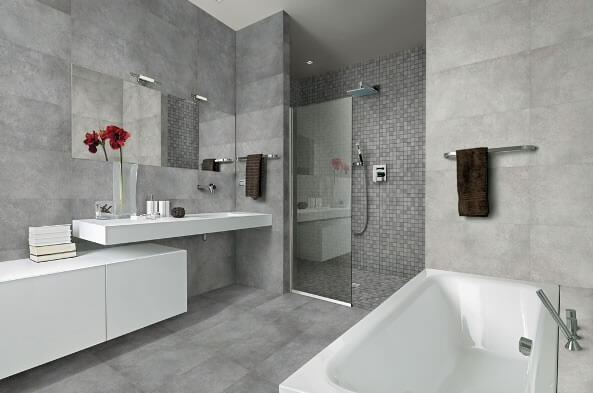 Cerâmica para banheiro cinza no chão e nas paredes