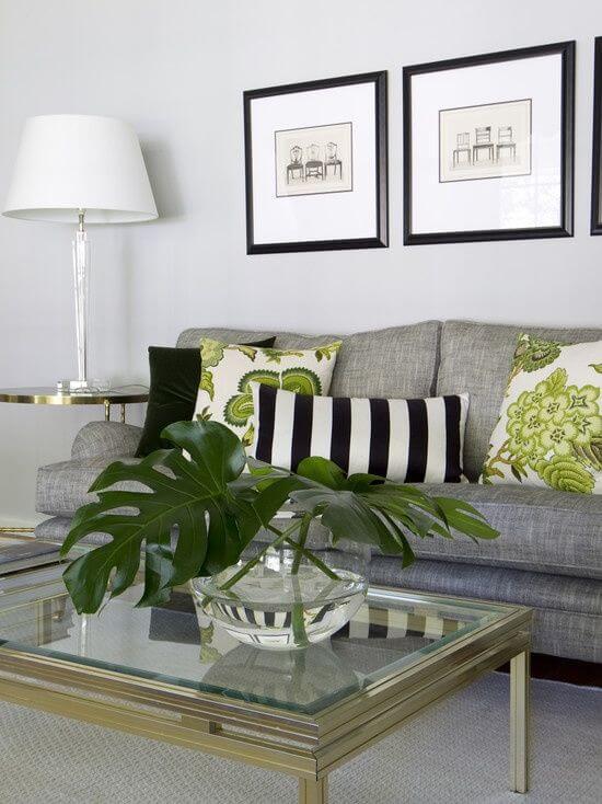 Abajur para sala de estar branca e preta, super moderna e com detalhes verdes