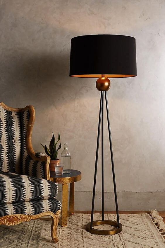 Abajur para sala na cor preta