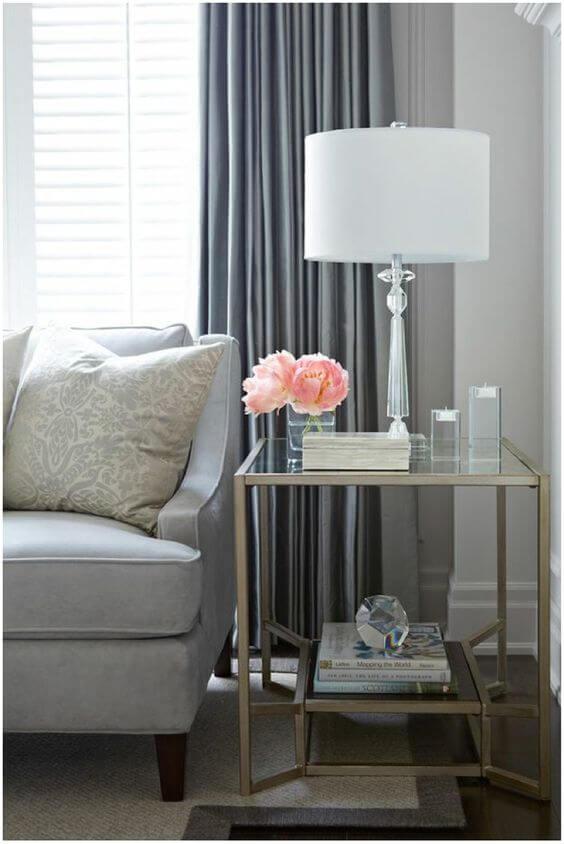 Abajur para sala com detalhes clássicos e sofisticados