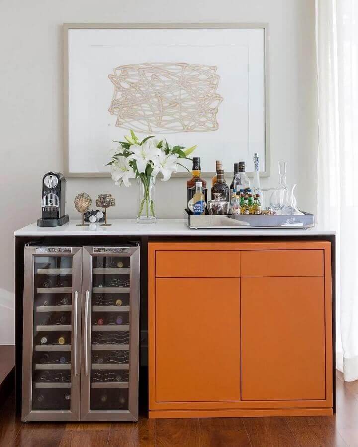 barzinho planejado na cor laranja Foto WVS Arquitetura