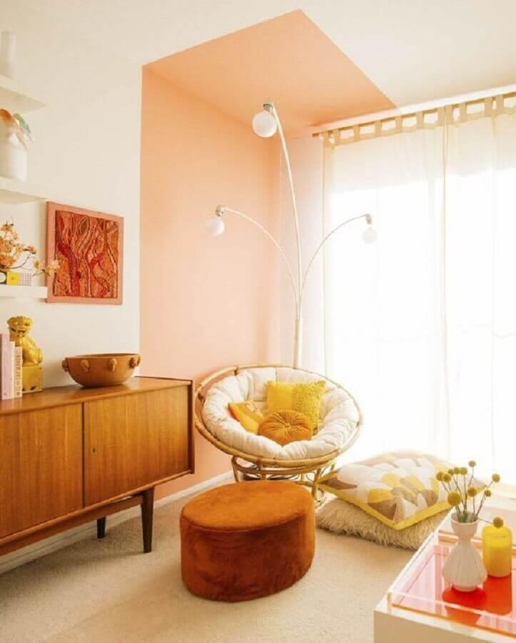 cores quentes para sala decorada com buffet de madeira Foto Home Fashion Trend