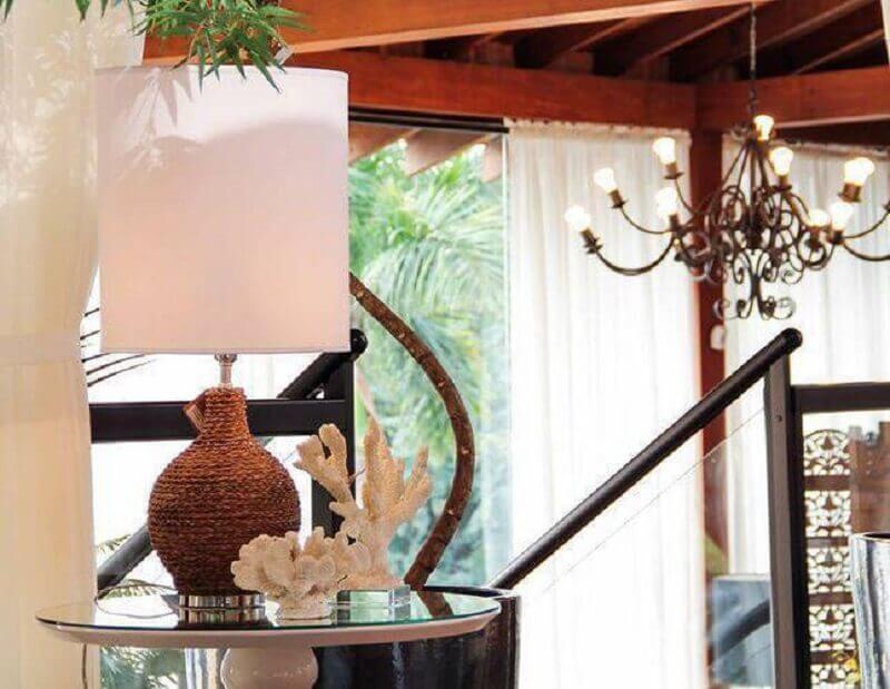modelo de abajur para sala com base rústica