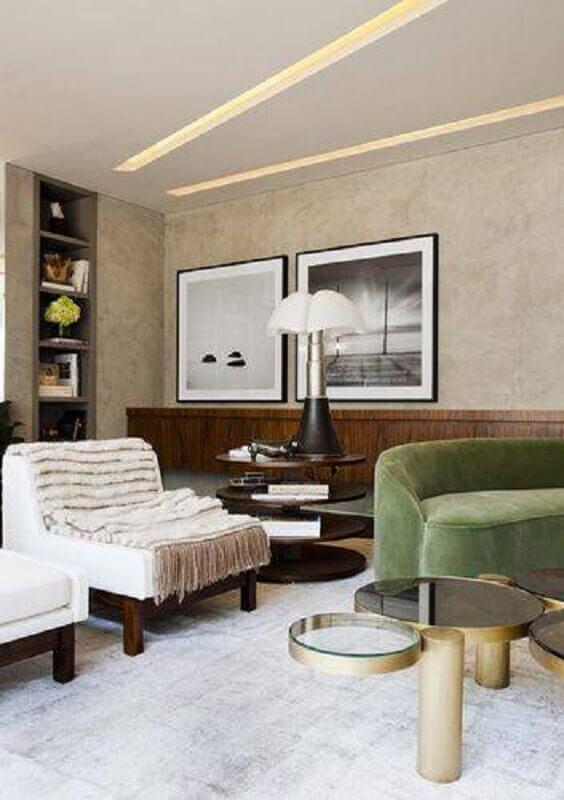 modelo de abajur para sala com sofá verde
