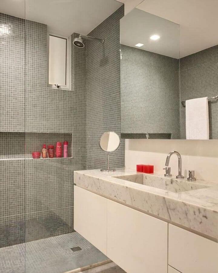pastilha de vidro para banheiro para cinza e branco  Foto MFSanches Interiores