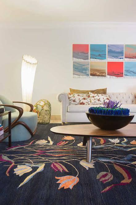 tapete azul como escolher sala sofá branco