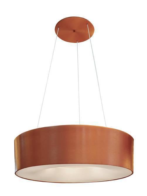 Um lustre mais volumoso para quem tem espaços maiores. De alumínio, o ST20205, como foi batizado, é de cobre escovado e comporta seis lâmpadas eletrônicas. É largo: 14 cm de altura por 52 de diâmetro e custa R$ 899,90. Sugerido para quem tem áreas maiores.