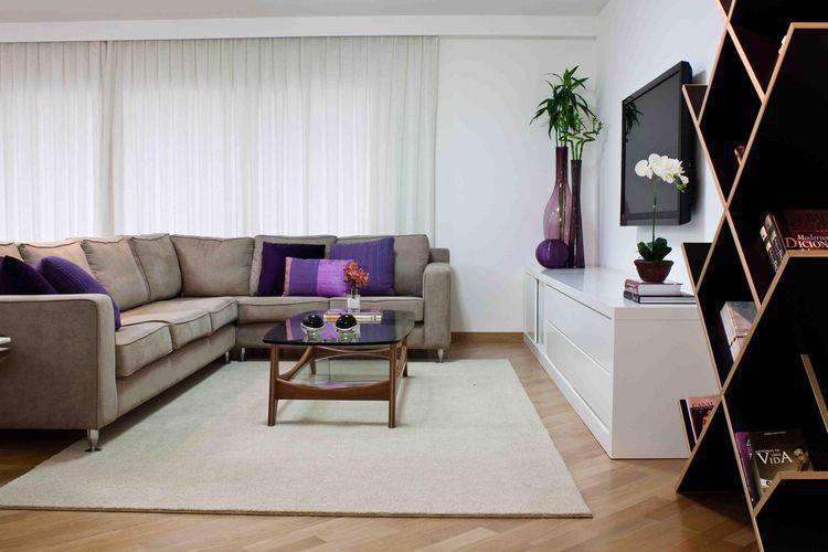 20261 sala de estar de casa karen pisacane