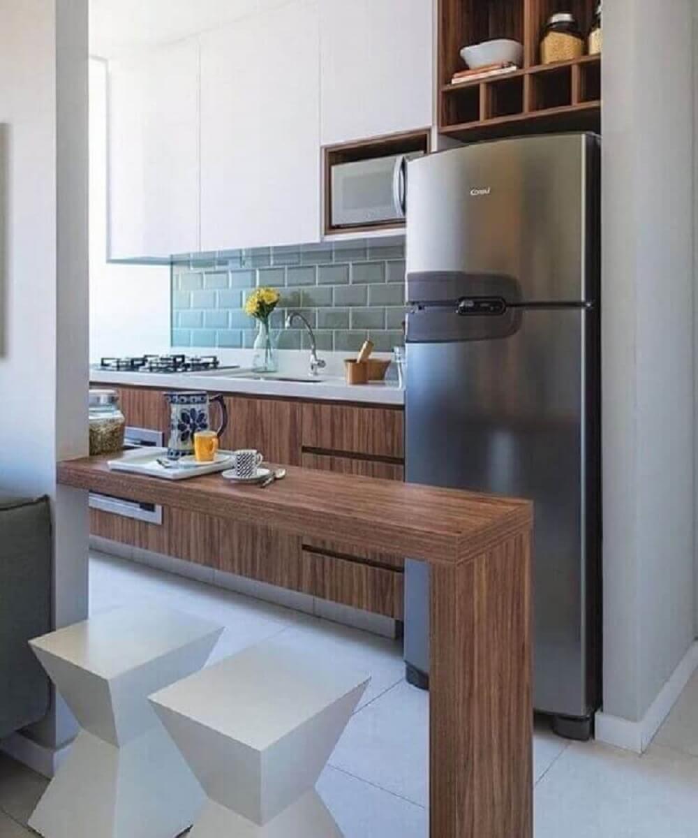 Balcão de cozinha feito em madeira
