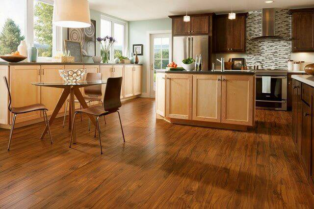 Laminated FLooring cozinha com piso laminado
