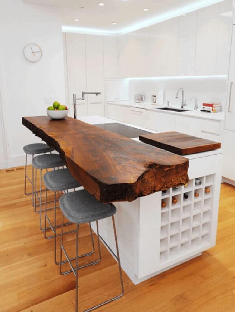balcão de cozinha com madeira de demolição