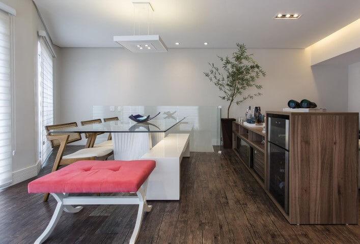 Aparador para sala de jantar e adega de madeira