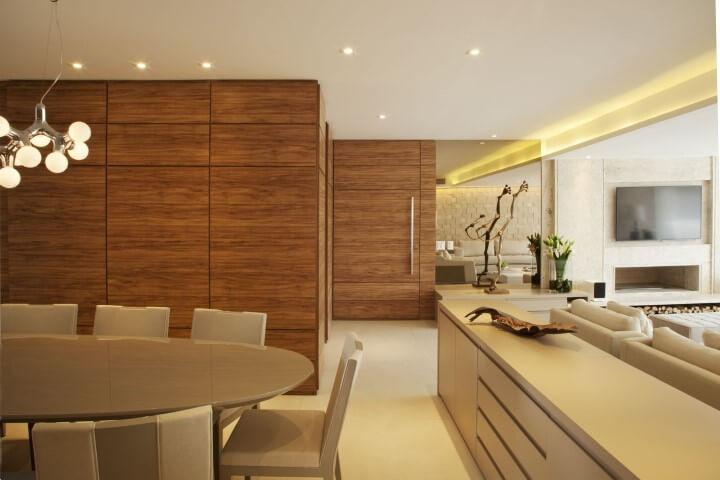 Aparador para sala de jantar entre salas integradas Projeto de Bianka Mugnatto