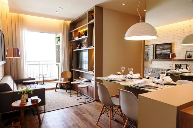 Sala de TV com sanca invertida com cortina Projeto de Tres Arquitetura