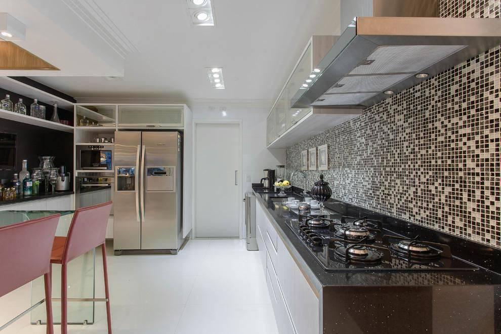 cozinha planejada com cooktop marciaarcaro