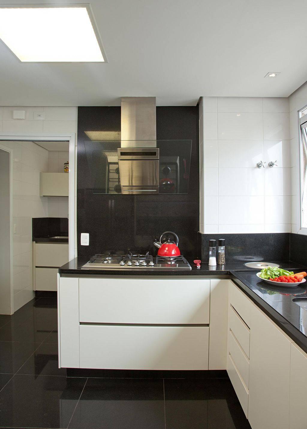 cozinha planejada com cooktop patricia kolanian 354