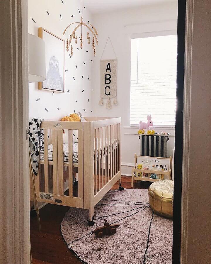 decoração com tapete para quarto de bebê pequeno e simples Foto Pinterest