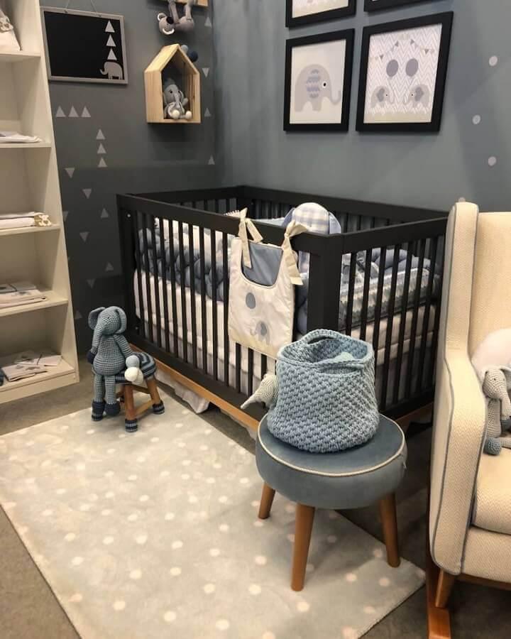 decoração moderna com tapete pequeno para quarto de bebê  Foto Pinterest