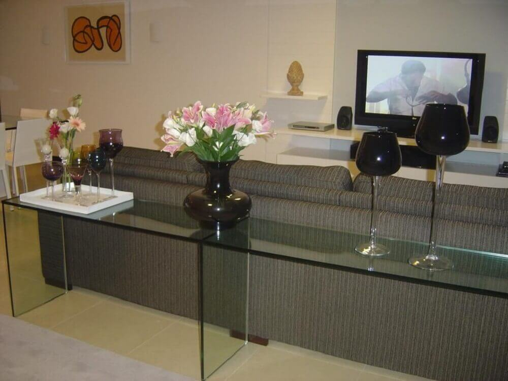 aparador de vidro para sala de estar