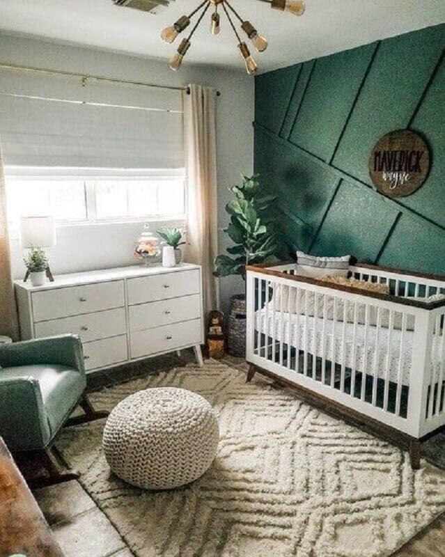 puff de crochê e tapete para quarto de bebê decorado verde e branco Foto Pinterest